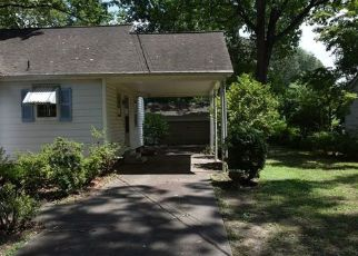 Foreclosed Home in Shelby 28150 WOODSIDE DR - Property ID: 4500971771