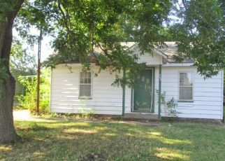 Foreclosed Home in Duncan 73533 W PARK AVE - Property ID: 4501018184