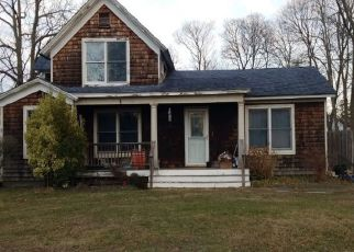 Foreclosed Home in Center Moriches 11934 CLINTON ST - Property ID: 4501058486