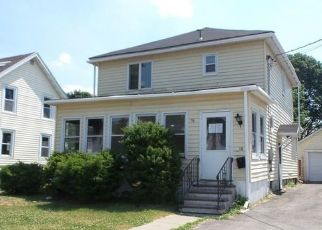Foreclosed Home in Massena 13662 BAYLEY RD - Property ID: 4501076440