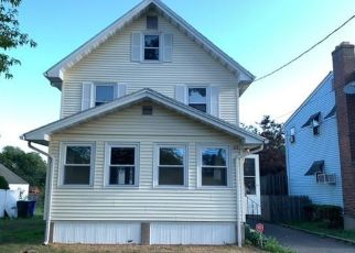 Foreclosed Home in East Hartford 06108 LIVINGSTON RD - Property ID: 4501082128