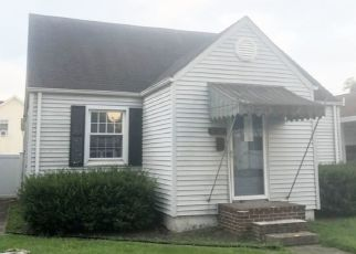 Foreclosed Home in Huntington 25704 ORCHARD AVE - Property ID: 4501089135