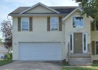 Foreclosed Home in Davenport 52806 W 66TH ST - Property ID: 4501103148