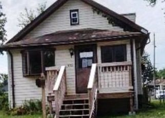 Foreclosed Home in Davenport 52802 BOIES AVE - Property ID: 4501106217