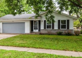 Foreclosed Home in Waukesha 53189 GREEN VALLEY DR - Property ID: 4501126367