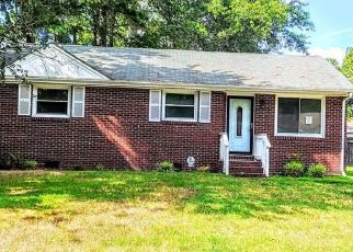Foreclosed Home in Portsmouth 23701 YORKSHIRE RD - Property ID: 4501142128