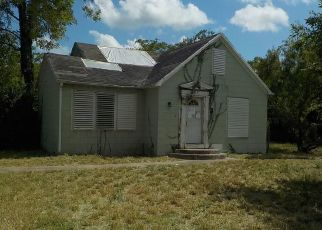 Foreclosed Home in Woodsboro 78393 JOHNSON ST - Property ID: 4501144775