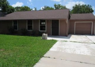 Foreclosed Home in Houston 77033 SOUTHTOWN ST - Property ID: 4501152651