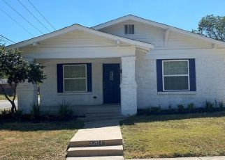 Foreclosed Home in Fort Worth 76110 RYAN AVE - Property ID: 4501163154