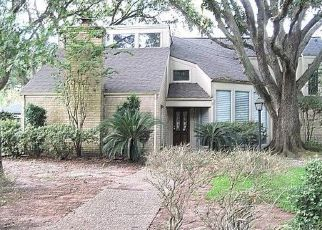 Foreclosed Home in Houston 77084 HOLLYWELL DR - Property ID: 4501165798