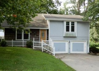 Foreclosed Home in Kansas City 64155 NE 113TH ST - Property ID: 4501336598