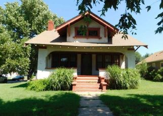 Foreclosed Home in Hutchinson 67501 E 17TH AVE - Property ID: 4501406682