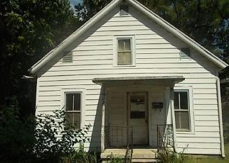 Foreclosed Home in Jacksonville 62650 FULTON ST - Property ID: 4501431195