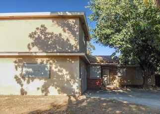 Foreclosed Home in Fresno 93726 N 1ST ST - Property ID: 4501456607