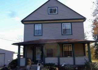 Foreclosed Home in New Castle 16101 MILLER AVE - Property ID: 4501581424