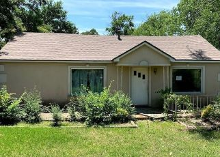 Foreclosed Home in Denison 75020 W WASHINGTON ST - Property ID: 4501594118