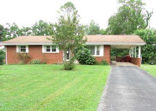 Foreclosed Home in Johnson City 37604 OAK GLEN CIR - Property ID: 4501603775