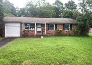 Foreclosed Home in Jacksonville 28540 WALNUT DR - Property ID: 4501604193