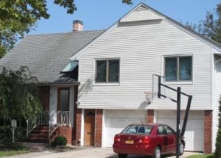 Foreclosed Home in East Rockaway 11518 MALLOW RD - Property ID: 4501632226