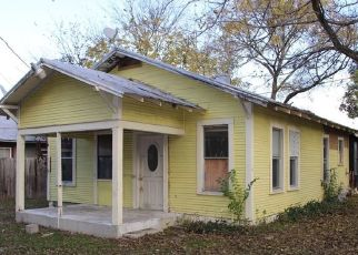 Foreclosed Home in New Braunfels 78130 RUSK ST - Property ID: 4501645367
