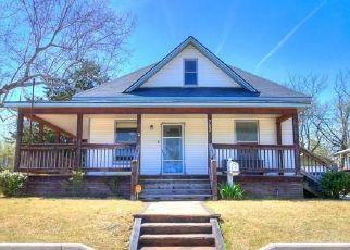 Foreclosed Home in Shawnee 74801 N BEARD AVE - Property ID: 4501675596