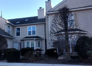 Foreclosed Home in Warwick 10990 OLDE WAGON RD - Property ID: 4501721132