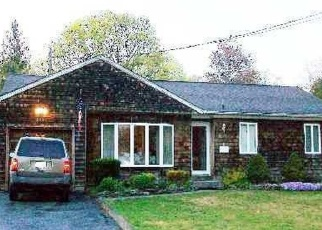 Foreclosed Home in East Islip 11730 UNION BLVD - Property ID: 4501891961