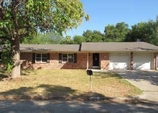 Foreclosed Home in Waco 76706 W DENISON DR - Property ID: 4502225241