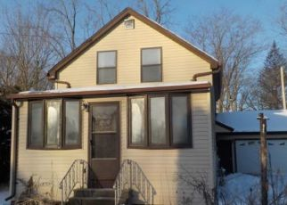 Foreclosed Home in Muskego 53150 BAY LANE PL - Property ID: 4502256340