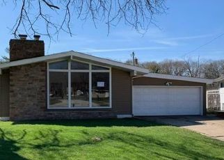 Foreclosed Home in Gary 46403 HICKORY AVE - Property ID: 4502273427