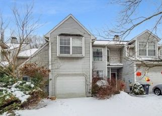 Foreclosed Home in Somerville 08876 DELAWARE LN - Property ID: 4502276938