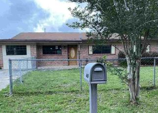 Foreclosed Home in Milton 32570 JULIA DR - Property ID: 4502343500