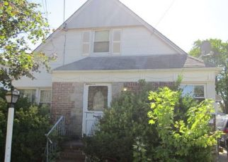 Foreclosed Home in New Hyde Park 11040 LINCOLN AVE - Property ID: 4502657530