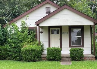Foreclosed Home in Baytown 77520 N 7TH ST - Property ID: 4502677683