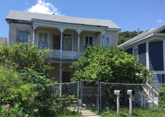 Foreclosed Home in Galveston 77550 AVENUE P 1/2 - Property ID: 4503012732