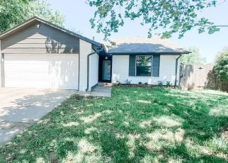 Foreclosed Home in Yukon 73099 SW 15TH TER - Property ID: 4503097699