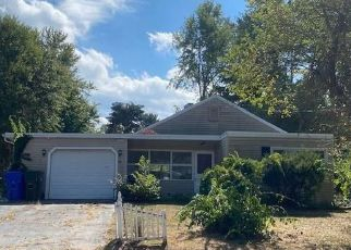Foreclosed Home in East Hartford 06118 MANOR CIR - Property ID: 4503121339