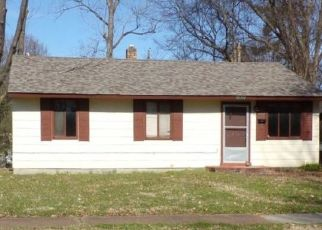 Foreclosed Home in Memphis 38114 BREWER AVE - Property ID: 4503341646
