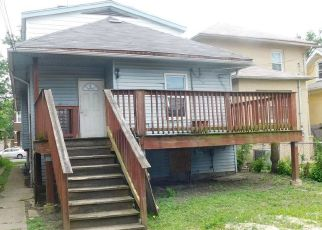 Foreclosed Home in Oak Park 60302 N AUSTIN BLVD - Property ID: 4503481356