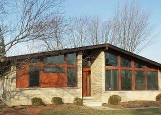 Foreclosed Home in Sterling Heights 48310 ALMONT DR W - Property ID: 4503645151