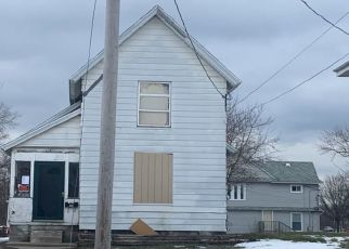 Foreclosed Home in Lansing 48906 CENTER ST - Property ID: 4503678443