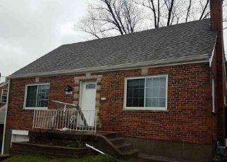 Foreclosed Home in Cincinnati 45238 LEONA DR - Property ID: 4503697723