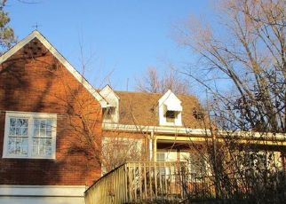 Foreclosed Home in Pittsburgh 15235 CLEMATIS BLVD - Property ID: 4503862392