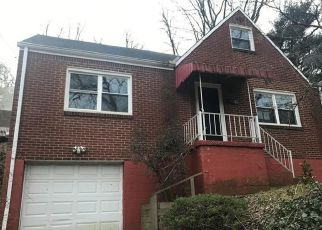 Foreclosed Home in Pittsburgh 15216 DODDS AVE - Property ID: 4503912318