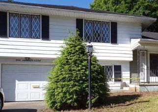Foreclosed Home in Binghamton 13905 LEROY ST - Property ID: 4503950428