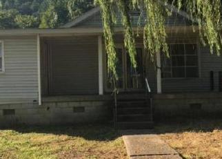 Foreclosed Home in Dwale 41621 JAKE GOBLE BR - Property ID: 4504040653