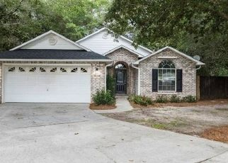 Foreclosed Home in Milton 32570 GOSHAWK DR - Property ID: 4504122105