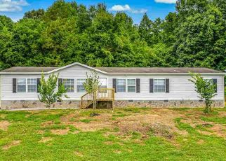 Foreclosed Home in Greeneville 37745 CLAY WAY - Property ID: 4504137892