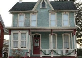 Foreclosed Home in Waynesboro 17268 CLAYTON AVE - Property ID: 4504191755