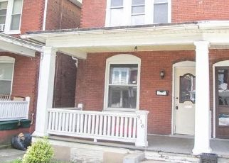 Foreclosed Home in Harrisburg 17103 N 18TH ST - Property ID: 4504200511